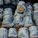 Eleganckie kubki recznie zdobione w misterne wzory