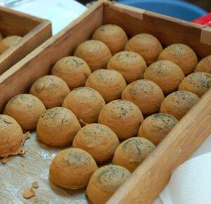 Ciasteczka z zielona herbata i nadzieniem ze slodkiej fasoli
