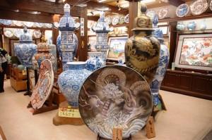 Gigantyczne talerze i wazy z porcelany